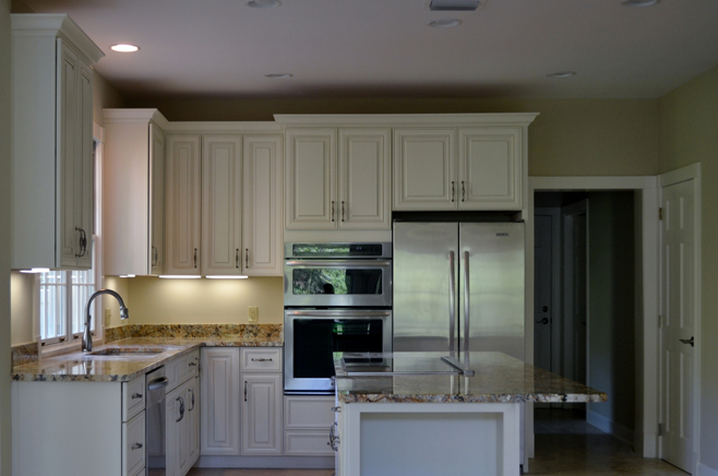 KB Design Company (904) 247-0006 - kitchen and bathroom cabinets, ready to install and custom cabinetry, quality designs